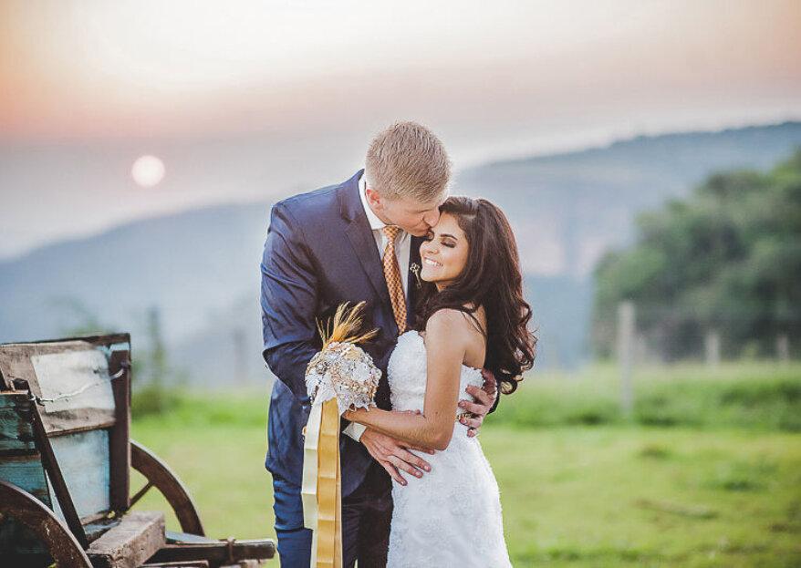 Como combinar o vestido de noiva com o fato do noivo em 5 passos