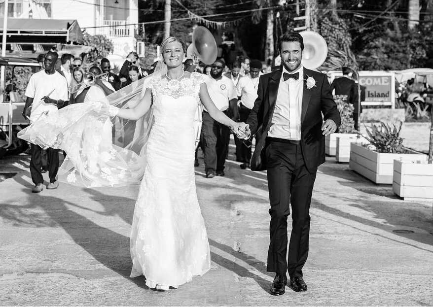 Emily VanCamp e  Josh Bowman, de Revenge, já casaram!