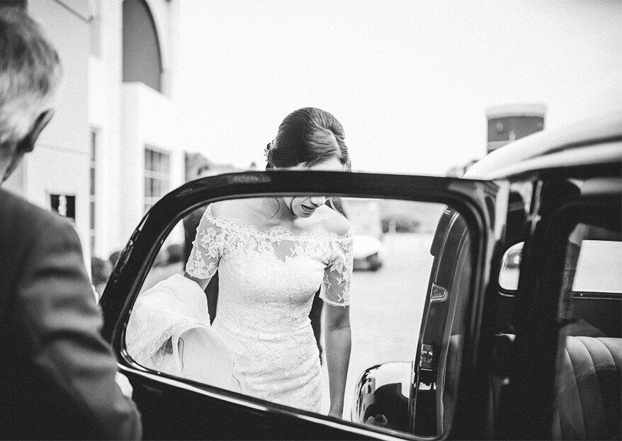 Como entrar e sair do carro da noiva em grande estilo