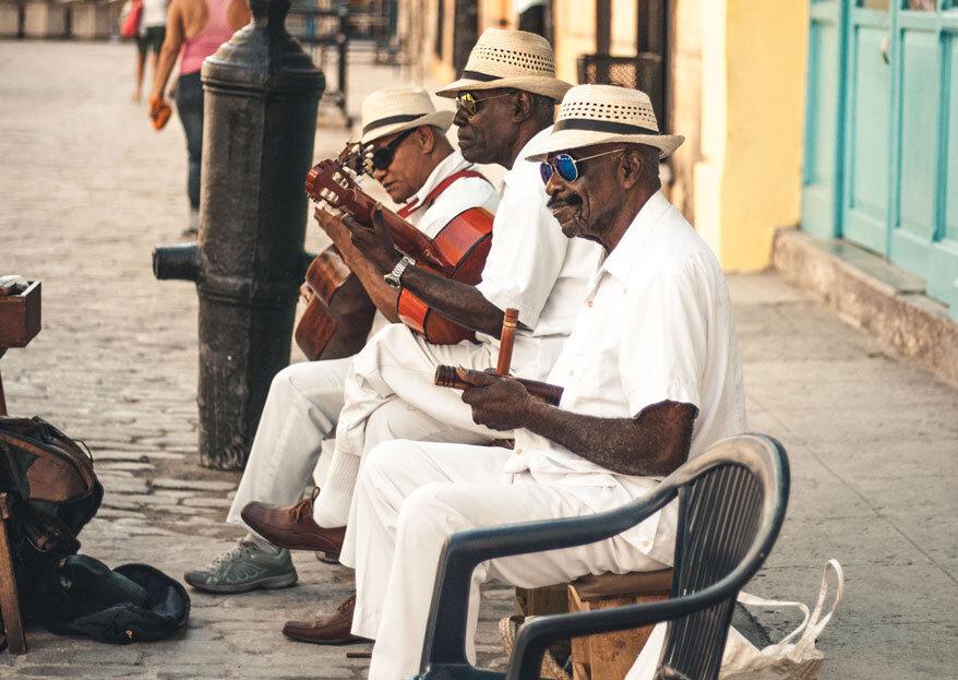 Lua-de-mel em Cuba: praia, história, cultura... Amor e alguns charutos!